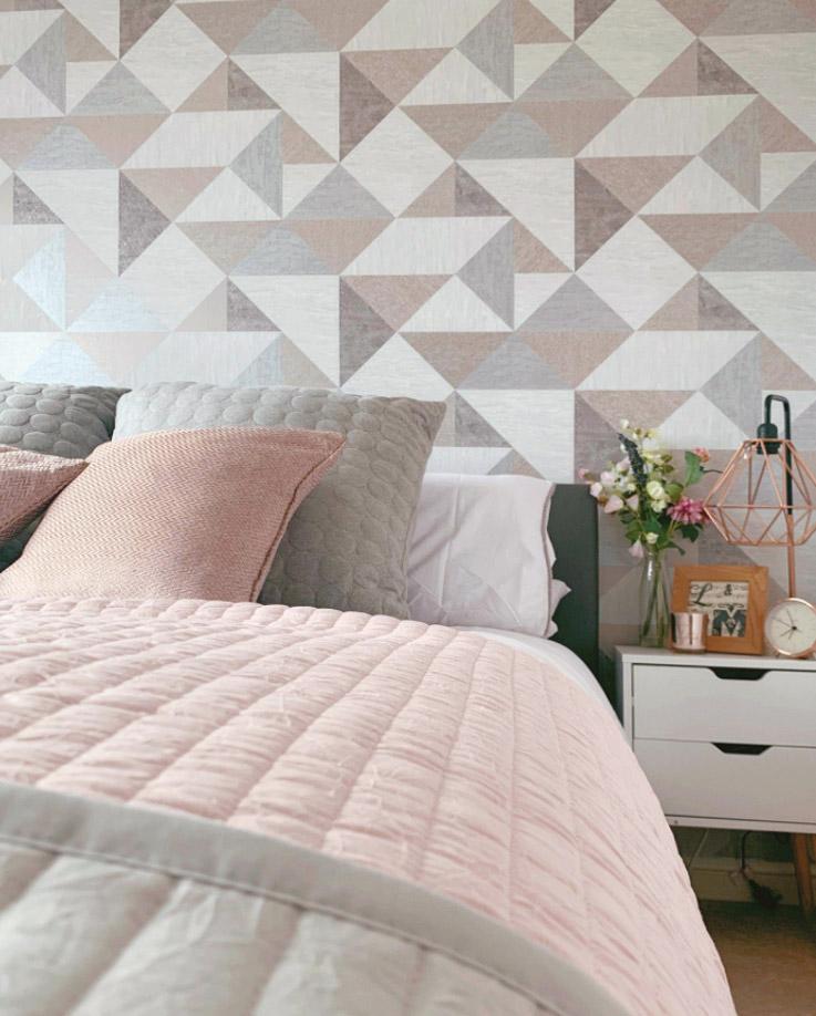 bedroom feature wallpaper shefford  belle decorating